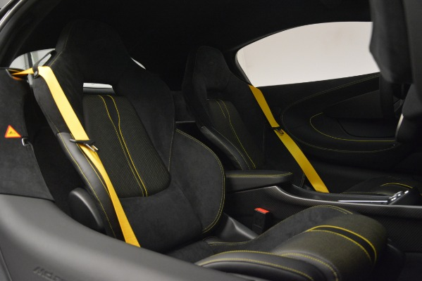 Used 2018 McLaren 570S for sale Sold at Alfa Romeo of Greenwich in Greenwich CT 06830 20