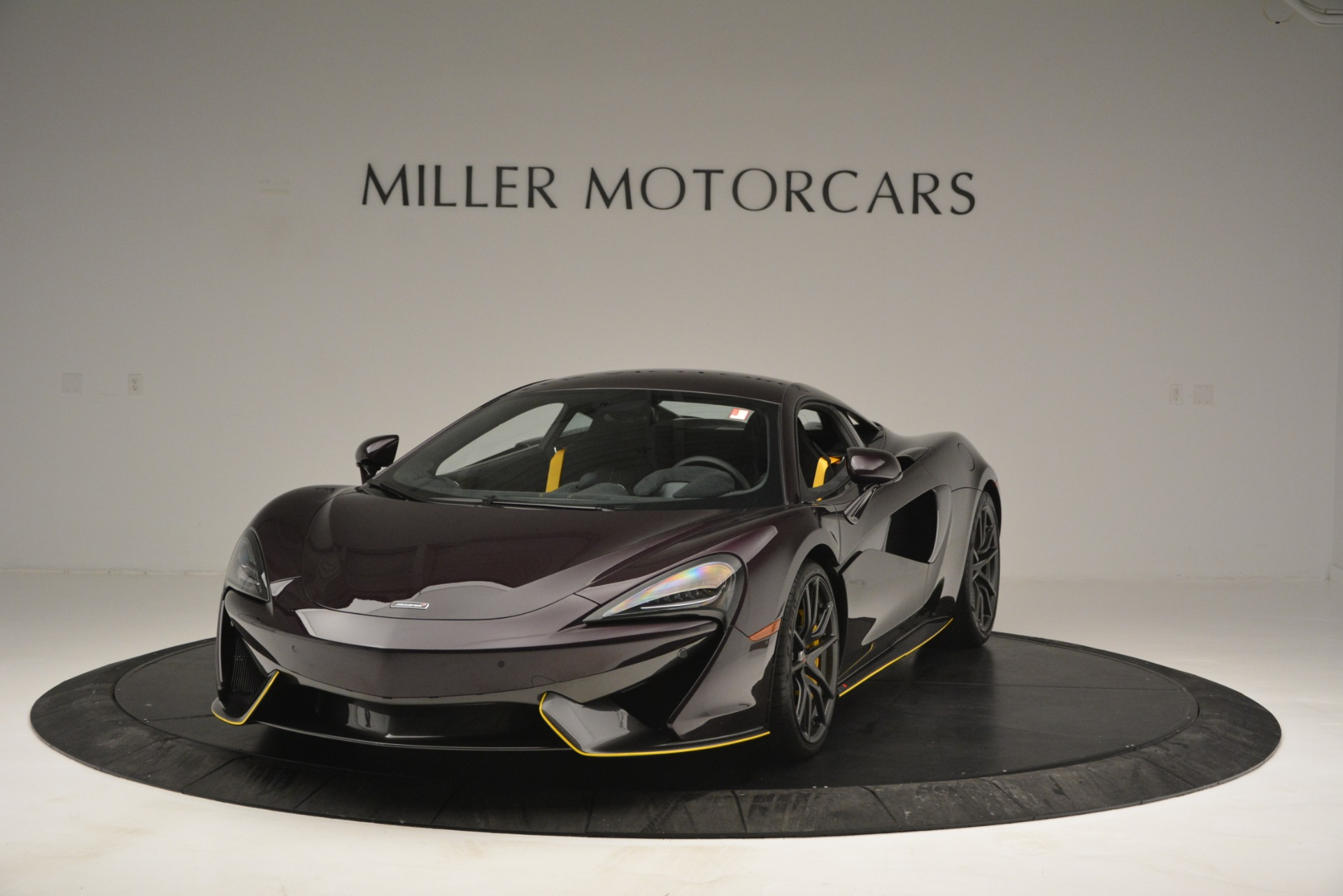 Used 2018 McLaren 570S for sale Sold at Alfa Romeo of Greenwich in Greenwich CT 06830 1