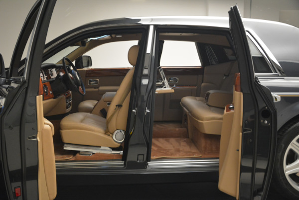 Used 2013 Rolls-Royce Phantom for sale Sold at Alfa Romeo of Greenwich in Greenwich CT 06830 12