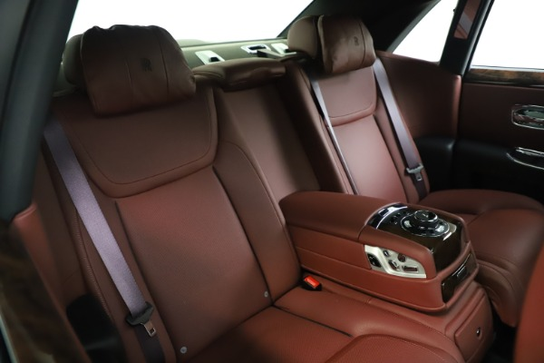 Used 2016 Rolls-Royce Ghost for sale $176,900 at Alfa Romeo of Greenwich in Greenwich CT 06830 16