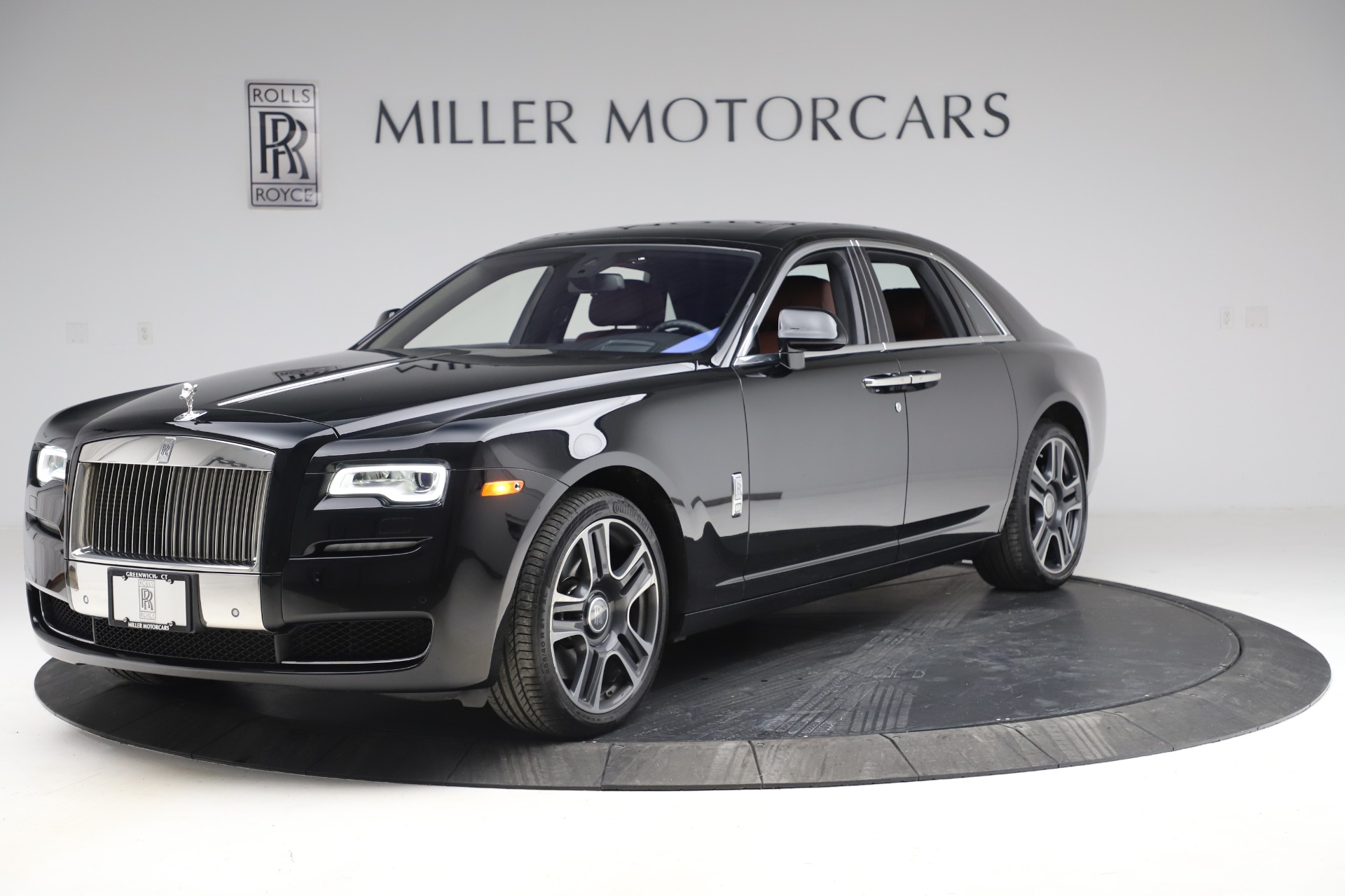 Used 2016 Rolls-Royce Ghost for sale $176,900 at Alfa Romeo of Greenwich in Greenwich CT 06830 1