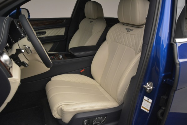 Used 2018 Bentley Bentayga W12 Signature for sale Sold at Alfa Romeo of Greenwich in Greenwich CT 06830 17