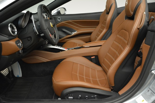Used 2018 Ferrari California T for sale Sold at Alfa Romeo of Greenwich in Greenwich CT 06830 26