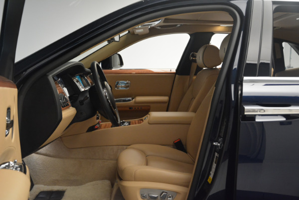 Used 2015 Rolls-Royce Ghost for sale Sold at Alfa Romeo of Greenwich in Greenwich CT 06830 23