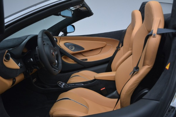 Used 2018 McLaren 570S Spider for sale Sold at Alfa Romeo of Greenwich in Greenwich CT 06830 23