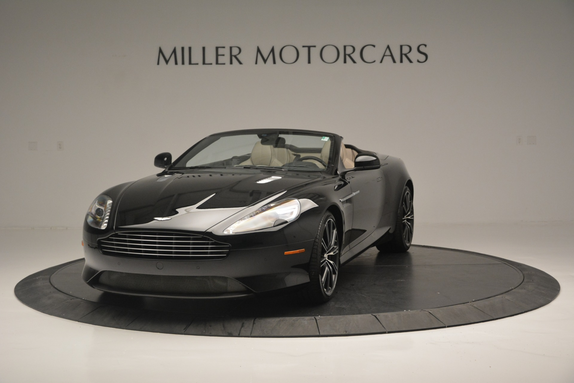 Used 2015 Aston Martin DB9 Volante for sale Sold at Alfa Romeo of Greenwich in Greenwich CT 06830 1