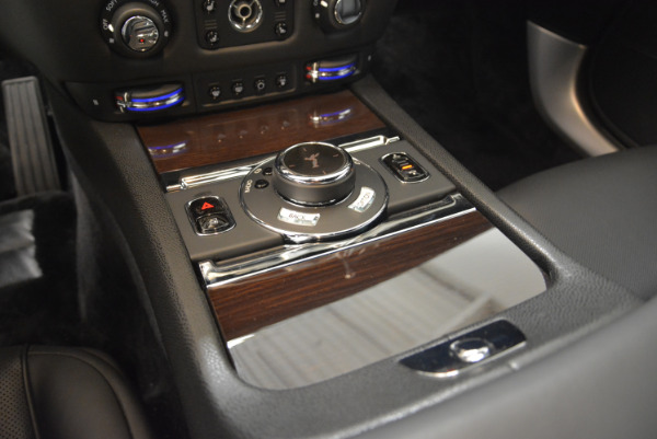Used 2015 Rolls-Royce Wraith for sale Sold at Alfa Romeo of Greenwich in Greenwich CT 06830 17