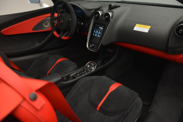 Used 2018 McLaren 570S Spider for sale Sold at Alfa Romeo of Greenwich in Greenwich CT 06830 25