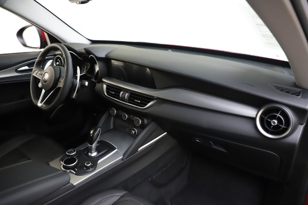 Used 2018 Alfa Romeo Stelvio Sport Q4 for sale $35,900 at Alfa Romeo of Greenwich in Greenwich CT 06830 24