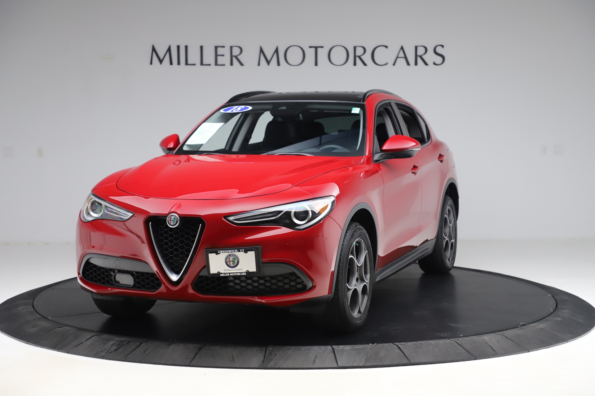 Used 2018 Alfa Romeo Stelvio Sport Q4 for sale $35,900 at Alfa Romeo of Greenwich in Greenwich CT 06830 1