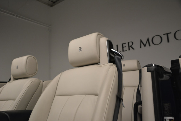 Used 2014 Rolls-Royce Phantom Drophead Coupe for sale Sold at Alfa Romeo of Greenwich in Greenwich CT 06830 20