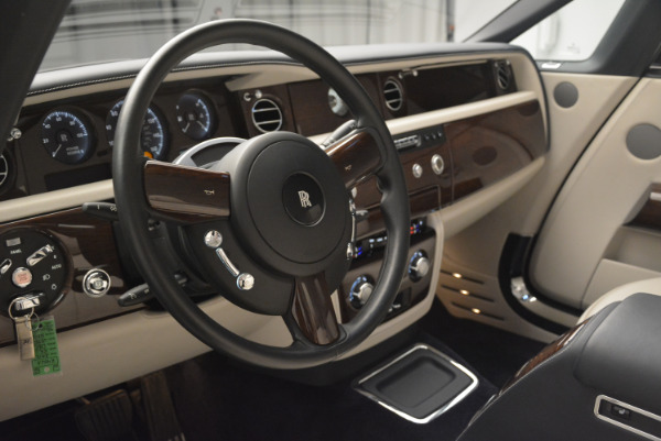 Used 2014 Rolls-Royce Phantom Drophead Coupe for sale Sold at Alfa Romeo of Greenwich in Greenwich CT 06830 22