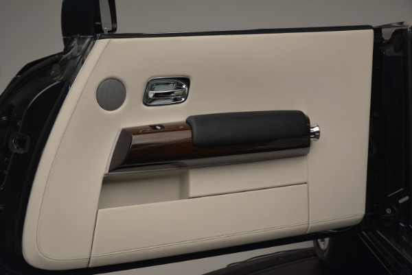 Used 2014 Rolls-Royce Phantom Drophead Coupe for sale Sold at Alfa Romeo of Greenwich in Greenwich CT 06830 25