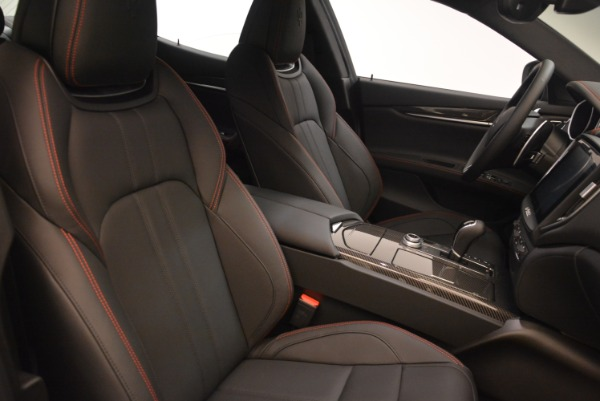 New 2018 Maserati Ghibli SQ4 GranSport Nerissimo for sale Sold at Alfa Romeo of Greenwich in Greenwich CT 06830 17