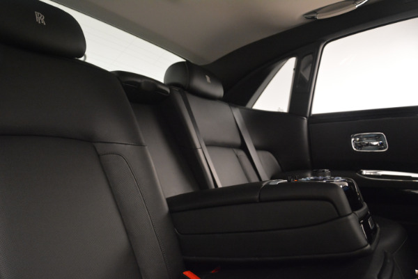 Used 2012 Rolls-Royce Ghost for sale Sold at Alfa Romeo of Greenwich in Greenwich CT 06830 27