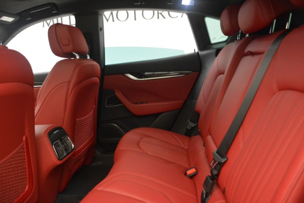 New 2018 Maserati Levante Q4 GranLusso for sale Sold at Alfa Romeo of Greenwich in Greenwich CT 06830 19