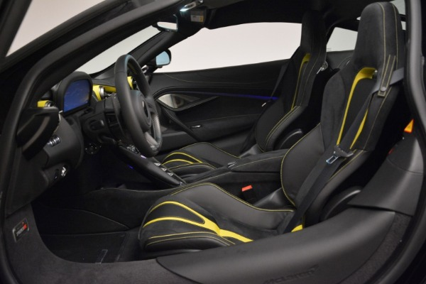 Used 2018 McLaren 720S Coupe for sale Sold at Alfa Romeo of Greenwich in Greenwich CT 06830 16