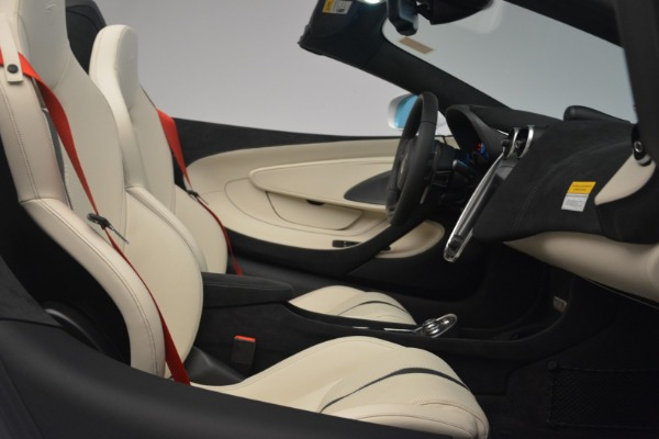 New 2019 McLaren 570S Spider Convertible for sale Sold at Alfa Romeo of Greenwich in Greenwich CT 06830 27