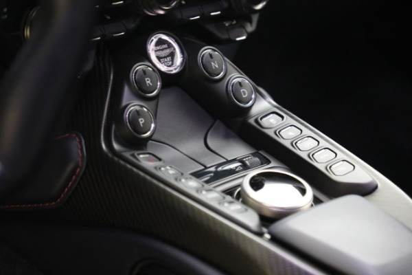 New 2019 Aston Martin Vantage V8 for sale Sold at Alfa Romeo of Greenwich in Greenwich CT 06830 20