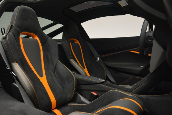 Used 2019 McLaren 720S Coupe for sale Sold at Alfa Romeo of Greenwich in Greenwich CT 06830 19