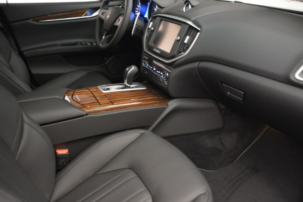 Used 2014 Maserati Ghibli S Q4 for sale Sold at Alfa Romeo of Greenwich in Greenwich CT 06830 20
