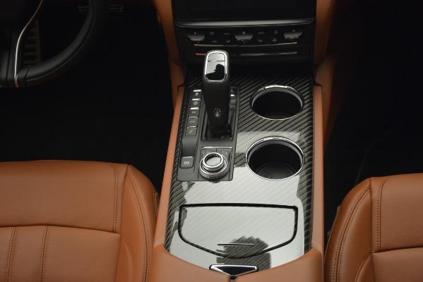 New 2019 Maserati Quattroporte S Q4 GranSport for sale $125,765 at Alfa Romeo of Greenwich in Greenwich CT 06830 16