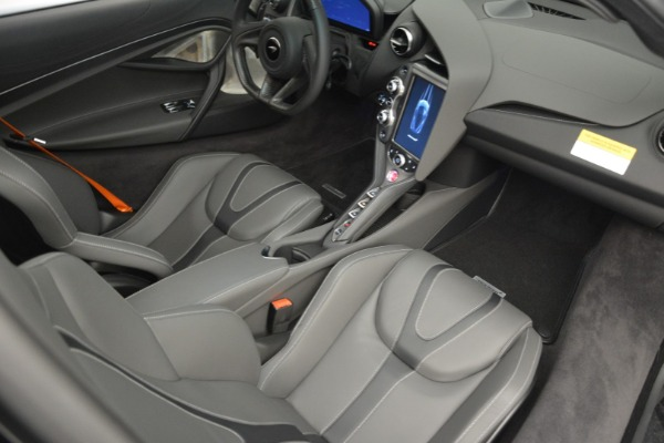 New 2019 McLaren 720S Coupe for sale $344,340 at Alfa Romeo of Greenwich in Greenwich CT 06830 21