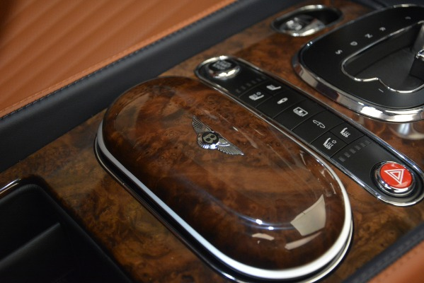 New 2018 Bentley Flying Spur V8 for sale Sold at Alfa Romeo of Greenwich in Greenwich CT 06830 25