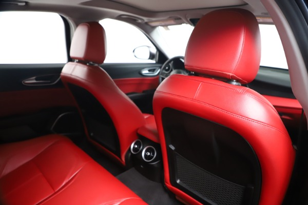 New 2019 Alfa Romeo Giulia Q4 for sale Sold at Alfa Romeo of Greenwich in Greenwich CT 06830 27
