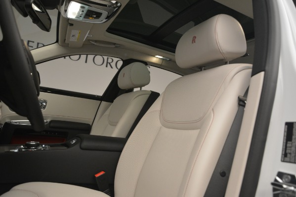 Used 2019 Rolls-Royce Ghost for sale $299,900 at Alfa Romeo of Greenwich in Greenwich CT 06830 14