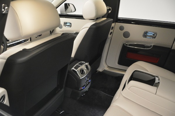 Used 2019 Rolls-Royce Ghost for sale $299,900 at Alfa Romeo of Greenwich in Greenwich CT 06830 22
