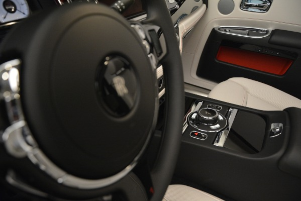 Used 2019 Rolls-Royce Ghost for sale $299,900 at Alfa Romeo of Greenwich in Greenwich CT 06830 28