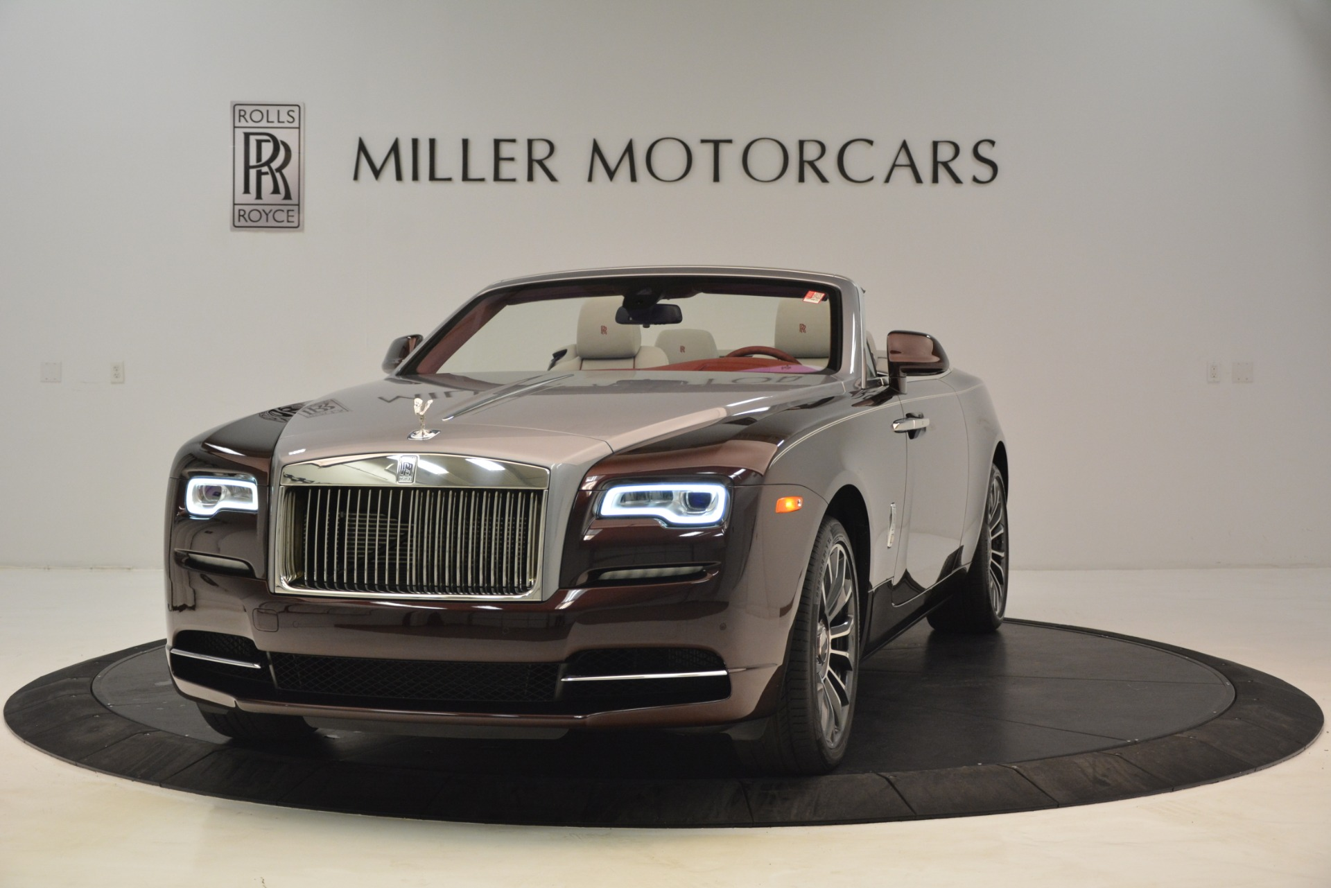 New 2019 Rolls-Royce Dawn for sale $422,325 at Alfa Romeo of Greenwich in Greenwich CT 06830 1