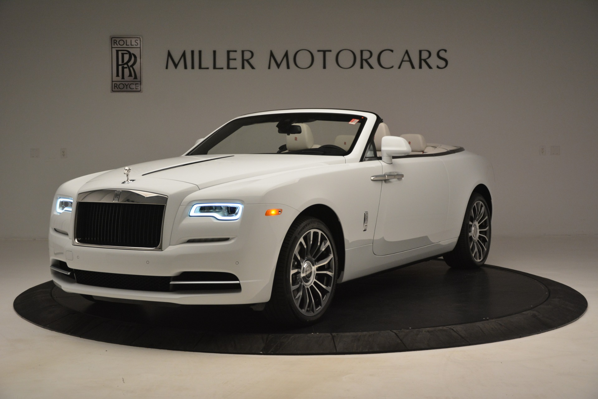 Used 2019 Rolls-Royce Dawn for sale $359,900 at Alfa Romeo of Greenwich in Greenwich CT 06830 1