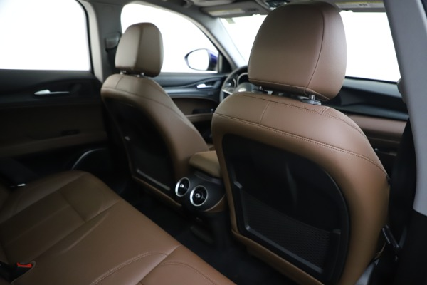 Used 2019 Alfa Romeo Stelvio Q4 for sale Sold at Alfa Romeo of Greenwich in Greenwich CT 06830 28