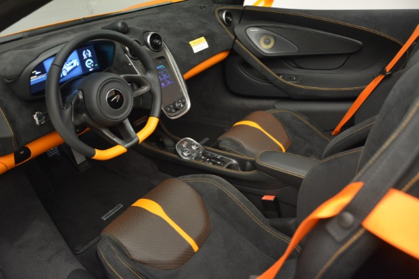 Used 2019 McLaren 570S Spider for sale $186,900 at Alfa Romeo of Greenwich in Greenwich CT 06830 23