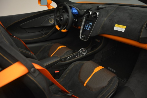 Used 2019 McLaren 570S Spider for sale $186,900 at Alfa Romeo of Greenwich in Greenwich CT 06830 26