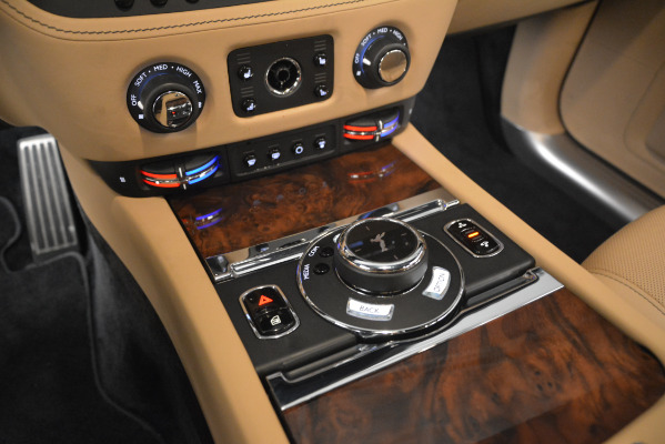 Used 2018 Rolls-Royce Ghost for sale Sold at Alfa Romeo of Greenwich in Greenwich CT 06830 18