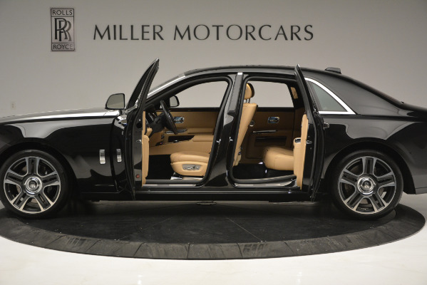 Used 2018 Rolls-Royce Ghost for sale Sold at Alfa Romeo of Greenwich in Greenwich CT 06830 4