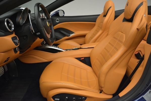 Used 2016 Ferrari California T for sale $152,900 at Alfa Romeo of Greenwich in Greenwich CT 06830 26
