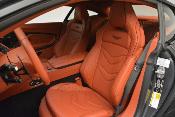 Used 2019 Aston Martin DBS Superleggera Coupe for sale $265,900 at Alfa Romeo of Greenwich in Greenwich CT 06830 21