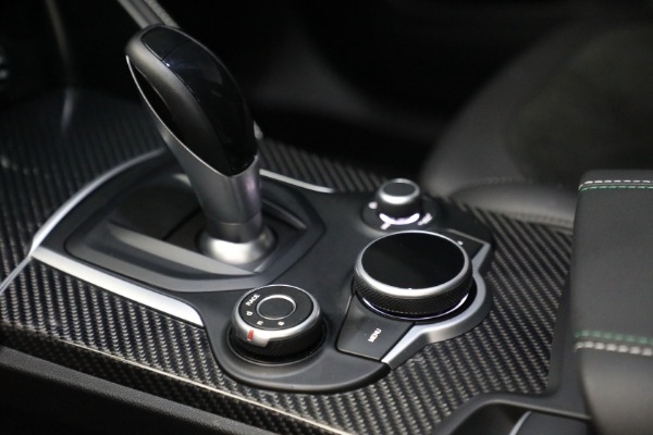 New 2019 Alfa Romeo Stelvio Quadrifoglio for sale Sold at Alfa Romeo of Greenwich in Greenwich CT 06830 18