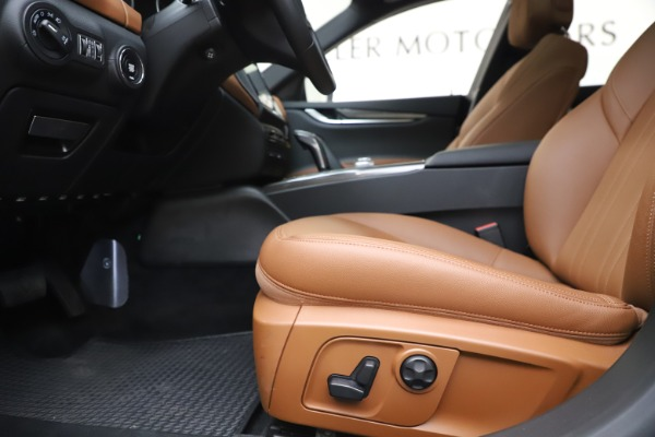 New 2019 Maserati Ghibli S Q4 for sale $91,630 at Alfa Romeo of Greenwich in Greenwich CT 06830 14