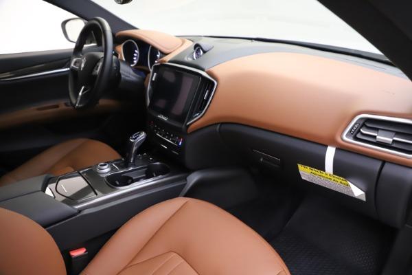New 2019 Maserati Ghibli S Q4 for sale $91,630 at Alfa Romeo of Greenwich in Greenwich CT 06830 22
