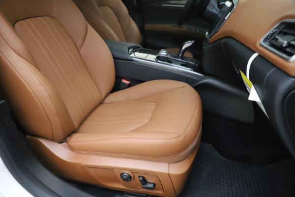 New 2019 Maserati Ghibli S Q4 for sale $91,630 at Alfa Romeo of Greenwich in Greenwich CT 06830 24