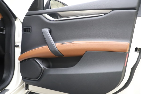 New 2019 Maserati Ghibli S Q4 for sale $91,630 at Alfa Romeo of Greenwich in Greenwich CT 06830 25