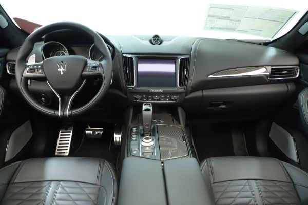 New 2019 Maserati Levante Trofeo for sale Sold at Alfa Romeo of Greenwich in Greenwich CT 06830 17