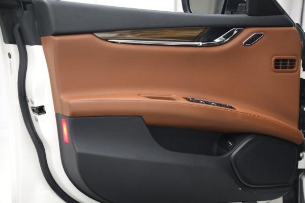 Used 2015 Maserati Quattroporte S Q4 for sale $42,900 at Alfa Romeo of Greenwich in Greenwich CT 06830 14