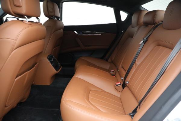 Used 2015 Maserati Quattroporte S Q4 for sale $42,900 at Alfa Romeo of Greenwich in Greenwich CT 06830 16