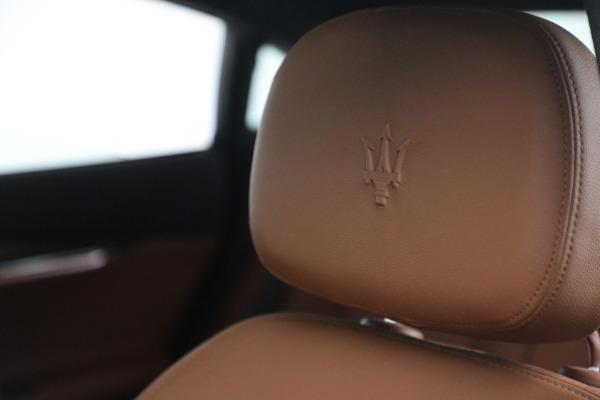 Used 2015 Maserati Quattroporte S Q4 for sale $42,900 at Alfa Romeo of Greenwich in Greenwich CT 06830 25